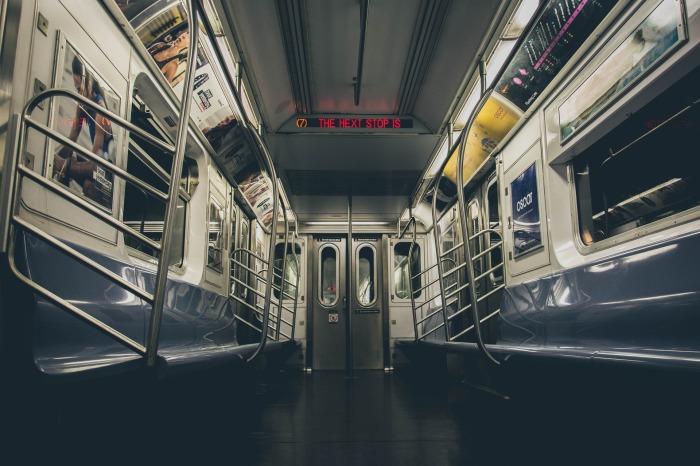 subway-2893851_1920.jpg